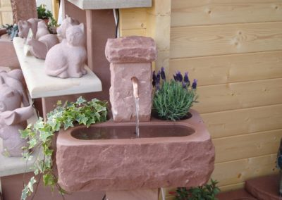 Minibrunnen m. Pflanznischen