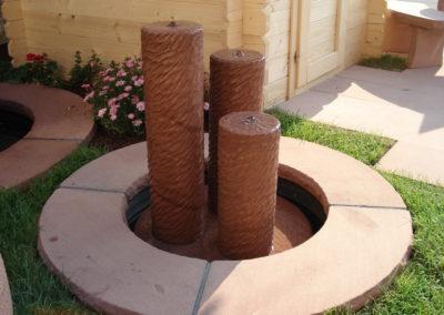 Säulenbrunnen klein rund gescheibt Säulenhöhen 55, 45, 35 mit Becken D= 60cm und Abdeckplatten Gesamt D= 1,00m