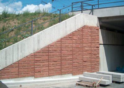 k-Bretten Regelmäßiges Schichtmauerk Ansicht bossiert mit Unterbrecher