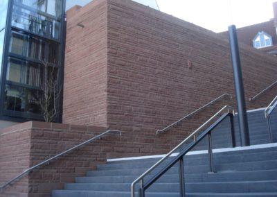 k-Fußgängersteg Weinheim Regelmäßiges Schichtmauerwerk Ansicht bossiert