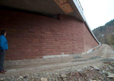 k-Hirsau Regelmäßiges Schichtmauerwerk bossiert mit Unterbrecher