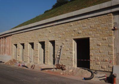 k-Küchen Regelmäßiges Schichtmauerwerk mit Unterbrecher 11, 17, 29,5 Ansicht bossiert Leistädter Sandstein Gelb