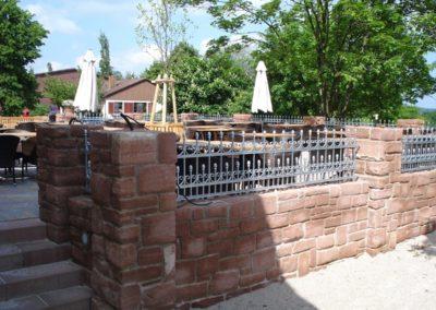 k-Mauersteinwand mit Pfeilern