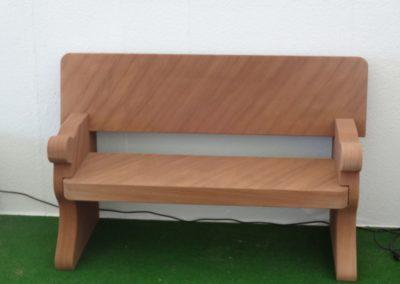 k-Sitzbank gerade mit Lehne